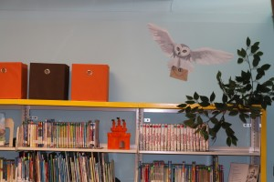 No library mural can be complete without a portrait of one of J.K. Rowlings characters like this of Hedwig.